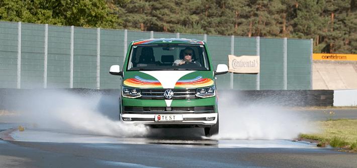 All season tyre test Volkswagen T6: grip and braking performance on wet roads