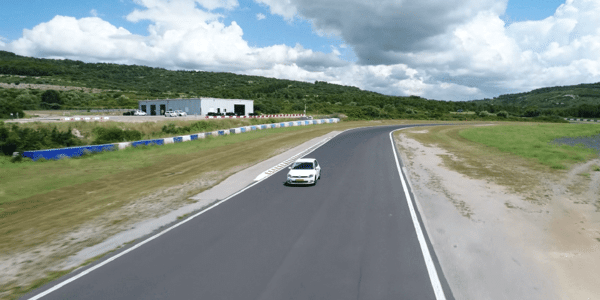 All season tyres test: Tyre Reviews compares tyres on a dry track