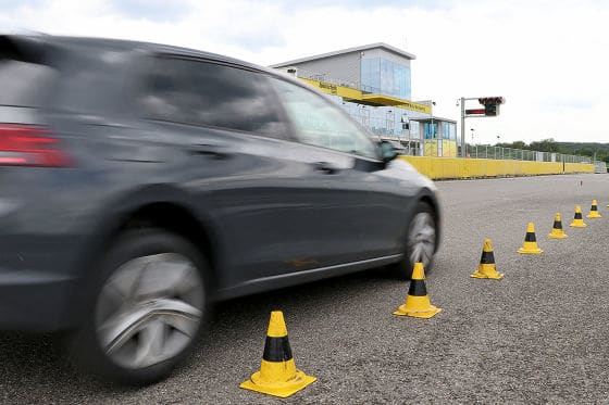 Test and comparison of summer tyres: Auto Bild tests braking of the best summer tyres