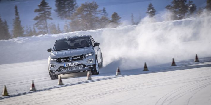 Compact SUV tyre test: Auto Motor und Sport has compared winter tyres with a Volkswagen T-Roc