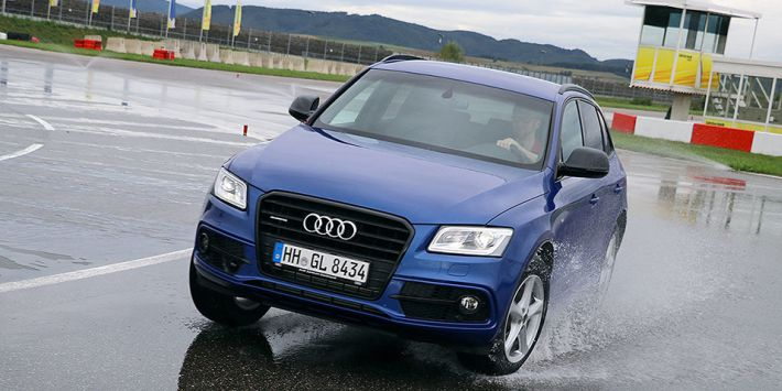 AutoBild Allrad magazine tested 18-inch all season tyres behind the wheel of an Audi Q5