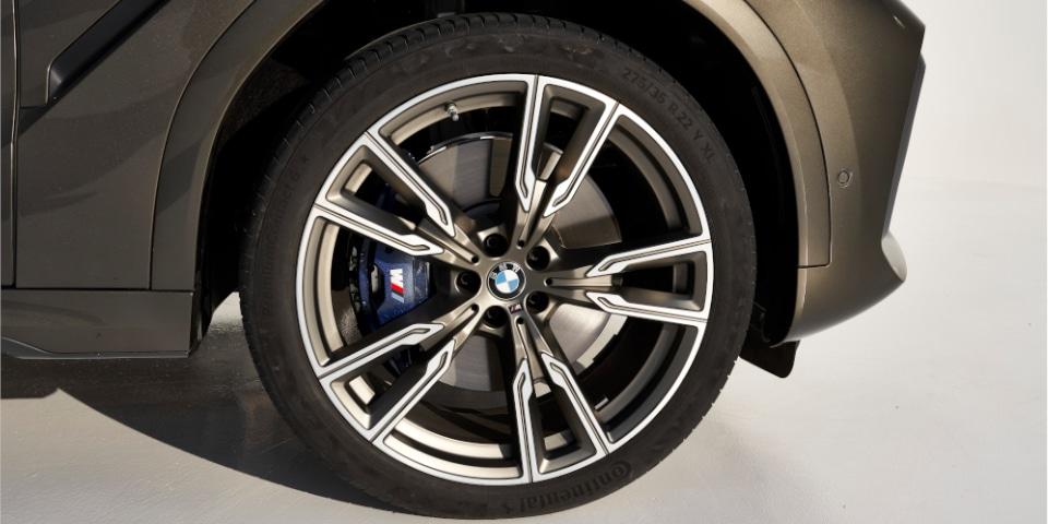 BMW X6 tyre