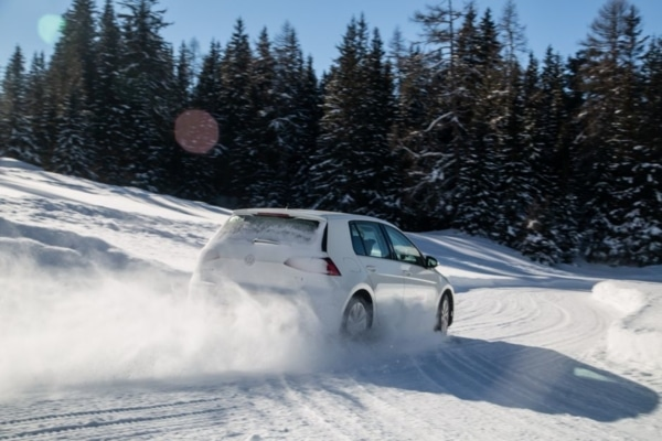 Leading winter tyre comparison test 2019: L'Argus tests the braking performance of winter tyres on snow