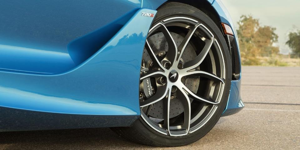 McLaren 720S tyre