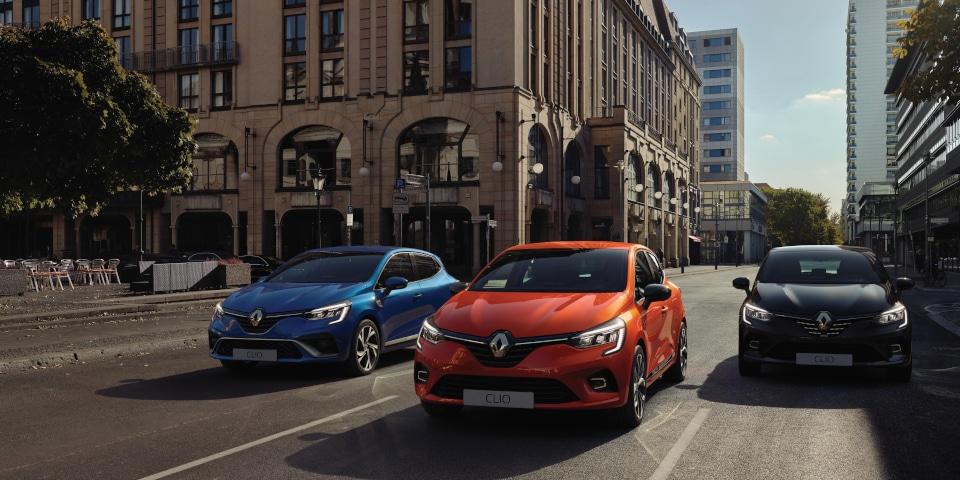 New Renault Clio range driving through a city