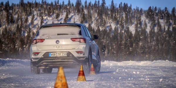 Winter tyre braking test assessed with the compact Volkswagen T-Roc SUV