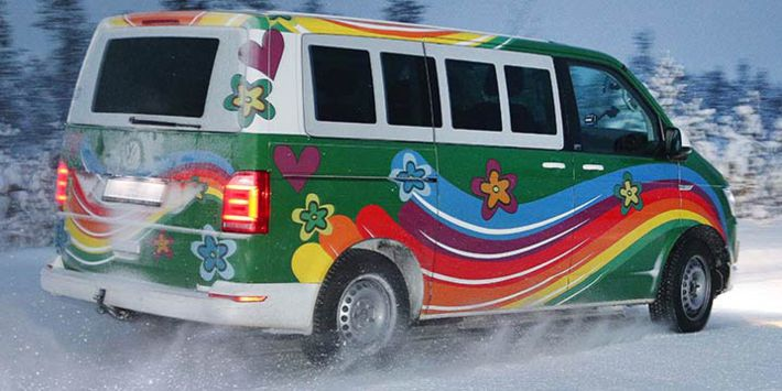 The Volkswagen T6 Multivan tests winter tyres on snow for the TCS and ADAC comparison test