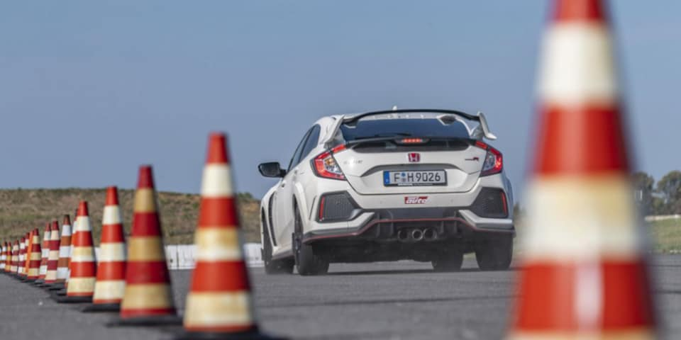 UHP tyres test Sport Auto Honda Civic Type R braking