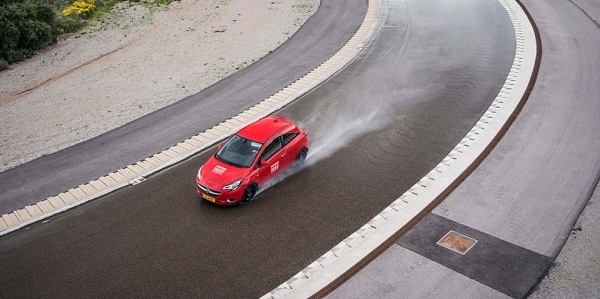 Winter and all season tyres test on wet roads conducted ACE Lenkrad