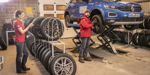 The compact Volkswagen T-Roc SUV was used for the winter tyre test
