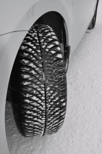 rezulteo tests the Yokohama BluEarth 4S AW21 4 seasons tyre on snow