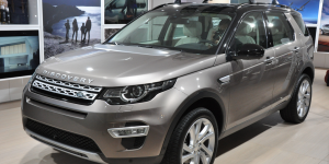 Non-permanent all wheel drive vehicle: Land Rover Discovery